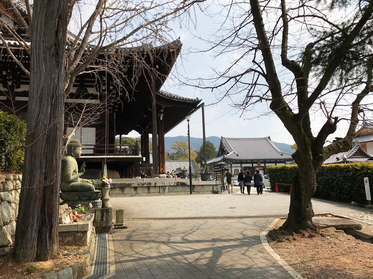 金戒光明寺の境内と仏像