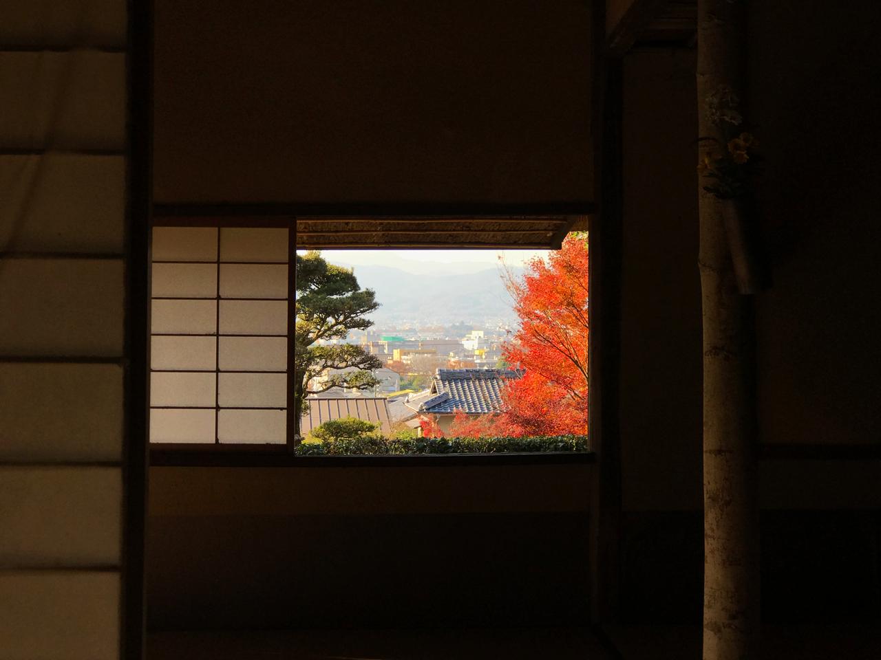金福寺 芭蕉庵の窓からの風景