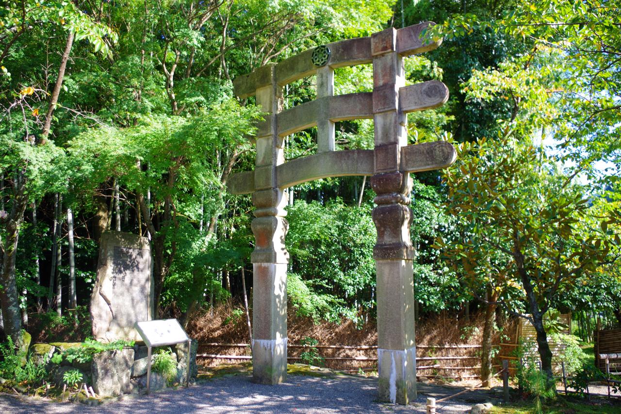 化野念仏寺のトーラナ
