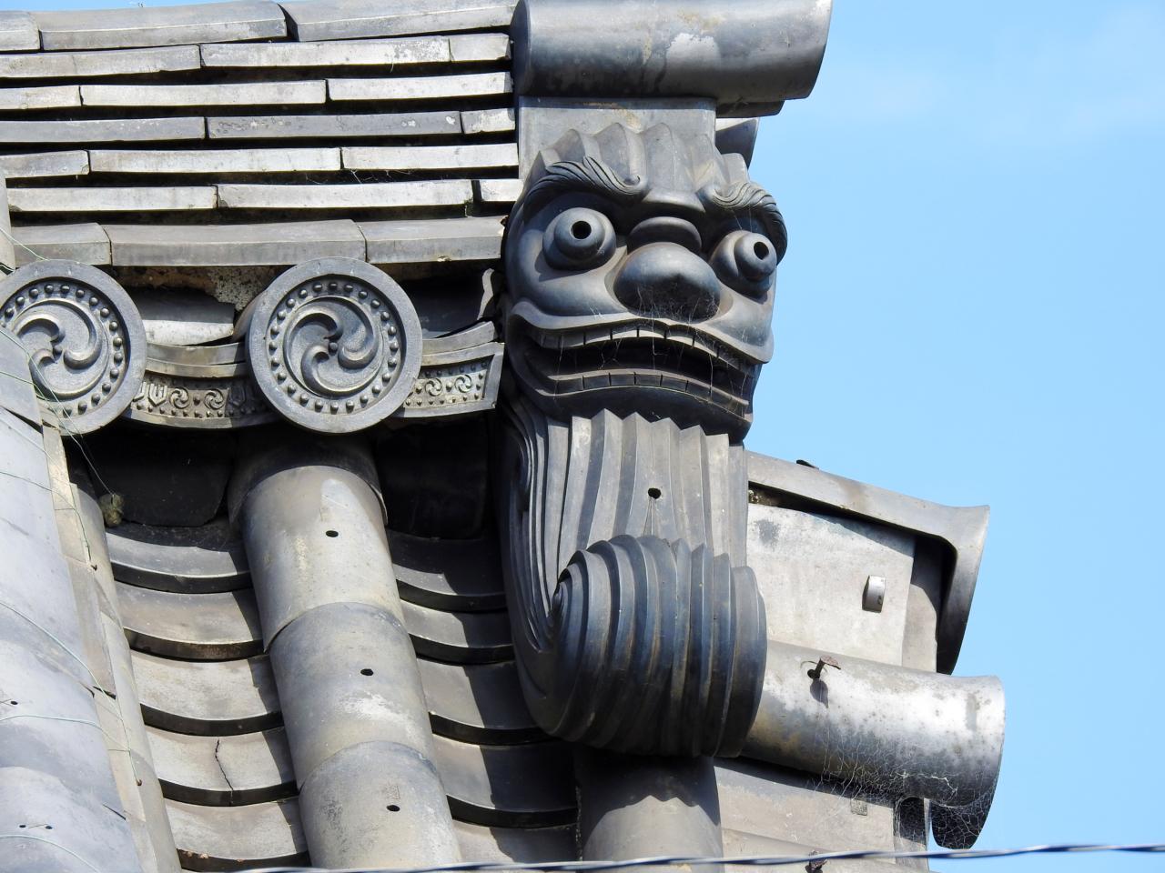法住寺の鬼瓦